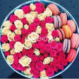 Цветы и макаронс в коробке № 183